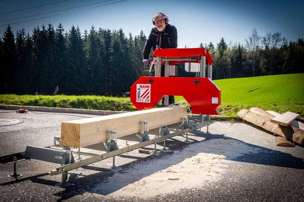 Kmenová pásová pila Holzmann BBS350-4